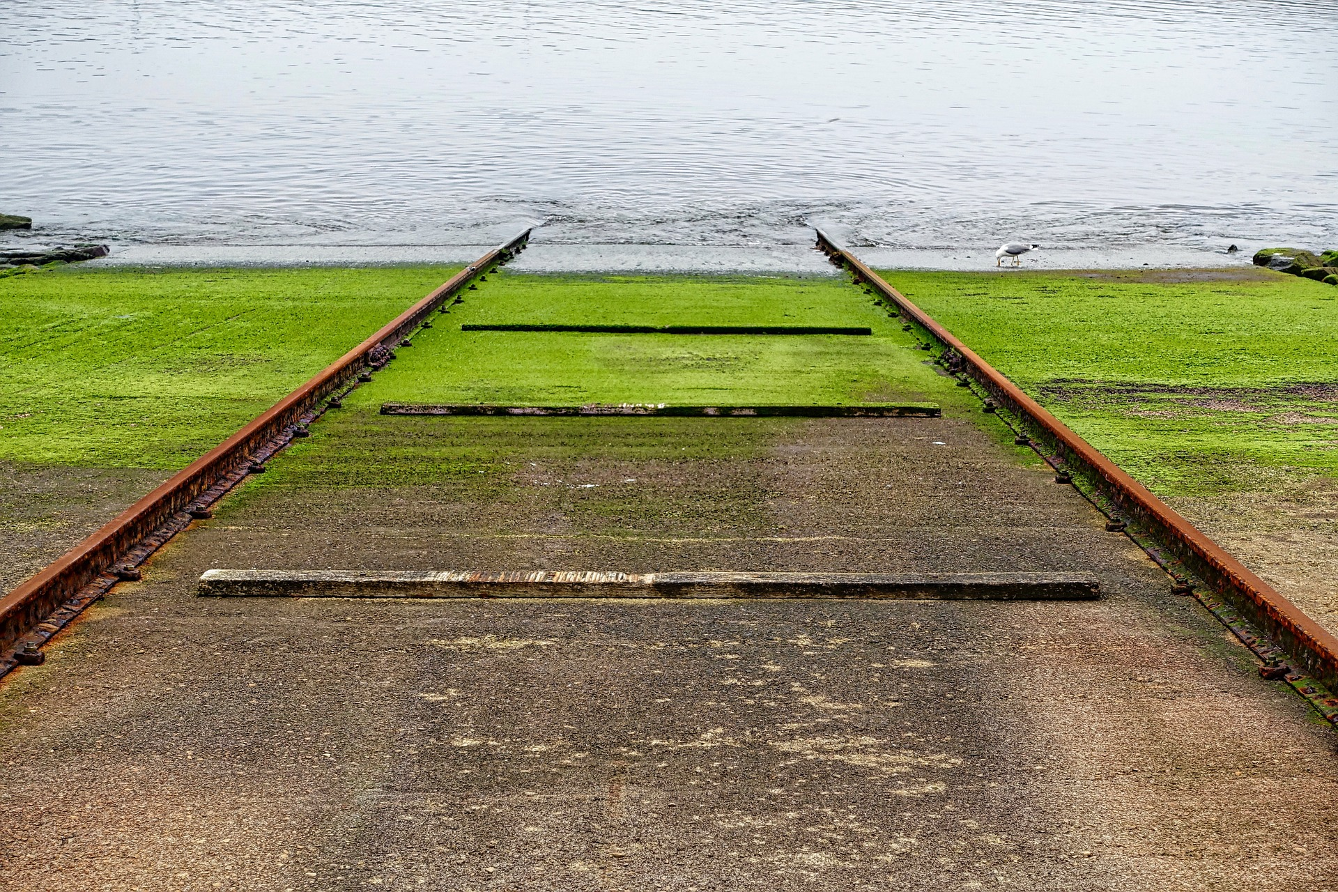 Ramps in poor condition can be dangerous when launching your boat.